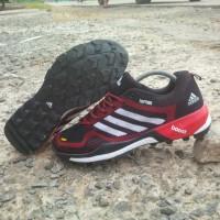 terbaru sepatu pria adidas terrex boost tracking outdoor,sepatu gunung