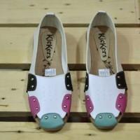 Sepatu Sandal wanita simpel kerja keren modis gaya Kickers Queen
