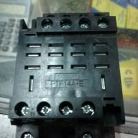 SOKET OMRON LY4. PTF14A-E