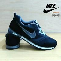 Sepatu Merk Nike MD Runner Hitam List Abu / Nike MD Runner Black Grey