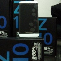 Blackberry Z10 white Brand New Garansi Distributor