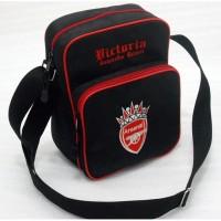 Tas Bola Selempang / Slingbag Liga Inggris Klub Arsenal Hitam Merah