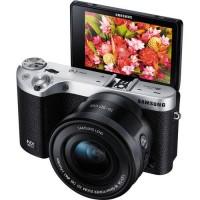 Kamera Mirrorless Samsung Nx500 Kit Black Pesaing Sony A6000