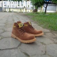 Caterpillar Safety Boots Orion Warna Coklat Muda Bahan Suede