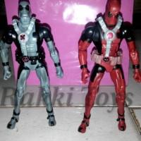Figure Deadpool sepasang