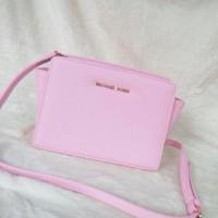 Michael Kors MK Selma Mini Messenger Baby Pink
