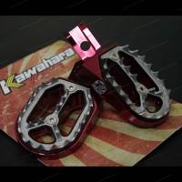 FOOTSTEP DEPAN CNC KAWAHARA KLX150
