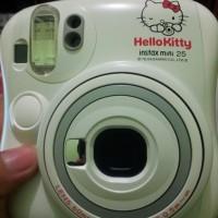 Fujifilm Instax Polaroid Mini 25s (Hello Kitty)