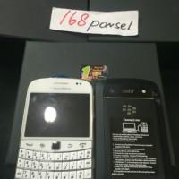 blackberry dakota 9900 black white garansi distributor resmi