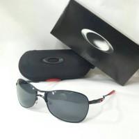 kacamata polarized OAKLEY crosshair ( black ducati )