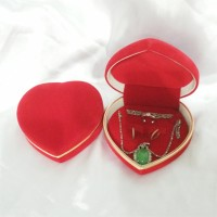 Jual kotak cincin dan perhiasan kalung gelang anting beludru 0030 - merah Murah