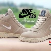 harga sepatu boot wanita nike acg airmax goadome femme beige Tokopedia.com