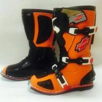 harga sepatu cross trial adventure gordons orange hitam Tokopedia.com
