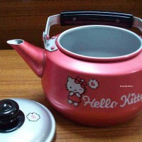 Lumi Kettle (Teko) Cantik 1,5liter Hello Kitty Color MASPION