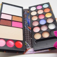 NYX COSMETIC KOSMETIK MAKE UP MAKEUP SET DOMPET EYESHADOW PALET PALLET
