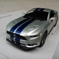 Ford Mustang GT Silver Garis (Miniatur Mobil 1/32 Kinsmart)