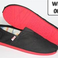 harga Wakai Cowok Sol Karet 007 Full Black Sol Merah / Wakai Shoes Tokopedia.com