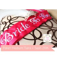 Jual Paket Selempang Bridal Shower / Bride To Be Sash & Medium Tiara Crown Murah