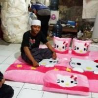 Karpet Bulu Karakter Hello Kitty