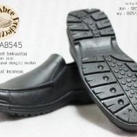 Sepatu Pantofel Karet (Att Ab545) - Solusi Cerdas Disegala Medan
