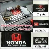 Karpet Dashboard / Anti Slip Dashboard Logo HONDA/TOYOTA/DAIHATSU