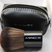 MAC 182 Brush - KABUKI MAC DOMPET KUAS KOIN ( make up kit )
