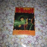 Mr Midnight 2: Kasus Jam Terkutuk - Hamburger Berhantu oleh James Lee