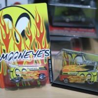 Hot Wheels Drag Bus Mooneyes
