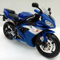 Miniatur Motor Yamaha YZF-R1 - Maisto 1/12