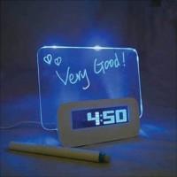 Jam LCD dengan Papan Memo / LCD Display Clock with Memo Board