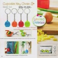 Tupperware Cupcake key Chain (1)
