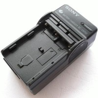 Charger Sony Compatible Model: Sony Alpha DSLR-A900, A700, A350, A300,
