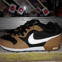 Sepatu Sneakers Nike MD RUNNER Capucino Impor