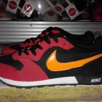 Sepatu Sneakers Nike MD RUNNER Red Black Impor