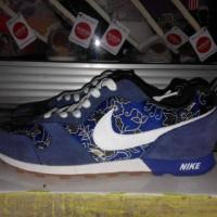 Sepatu Sneakers Nike MD RUNNER Biru Batik Impor