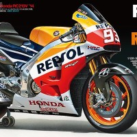 ready stock TAMIYA REPSOL HONDA RC213V 2014 rival Valentino Rossi