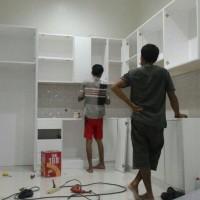 Lemari Dapur Kitchen Set Marmer dan Granit