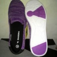 harga sepatu diadora purple original Tokopedia.com