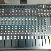 harga Mixer soundcraft 12 channel efx 12 / efx-12 / efx - 12 Tokopedia.com