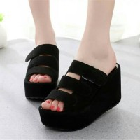 Wedges Wanita Pesta Flat Form Strip Hitam
