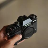 Fujifilm X-T10 + Kit 16-50mm + Fujinon XF 35mm F1.4