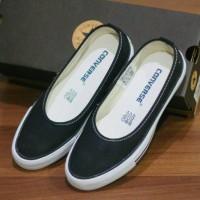 Sepatu Converse Slip On Simple Black White Wanita Terlaris Termurah