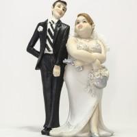 Figurine Pasangan Suami Istri Pose