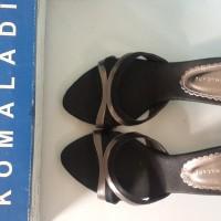 Sepatu Wanita Pesta Yongki Komaladi