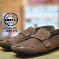 Sepatu Slip On Pria Circle Majesty