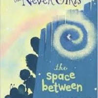 The Never Girls: Jalur Penghubung (A Space Between) (Soft Cover)