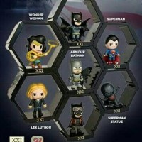 Batman vs Superman action figure hexagon cinema XXI