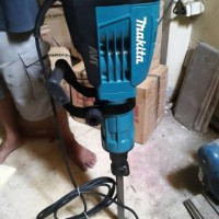 Mesin Bor Bobok / Demolition Hammer / Electric Breaker Makita HM 1317 C