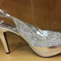 Sepatu Pesta Kristal Shoetopia