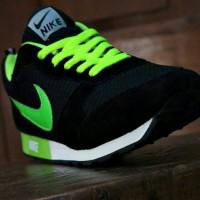 Sepatu Sport Nike Waffle Trainer Hitam Hijau